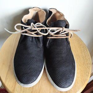 Frye Mindy Chukka Nubuck Suede Textured Boots